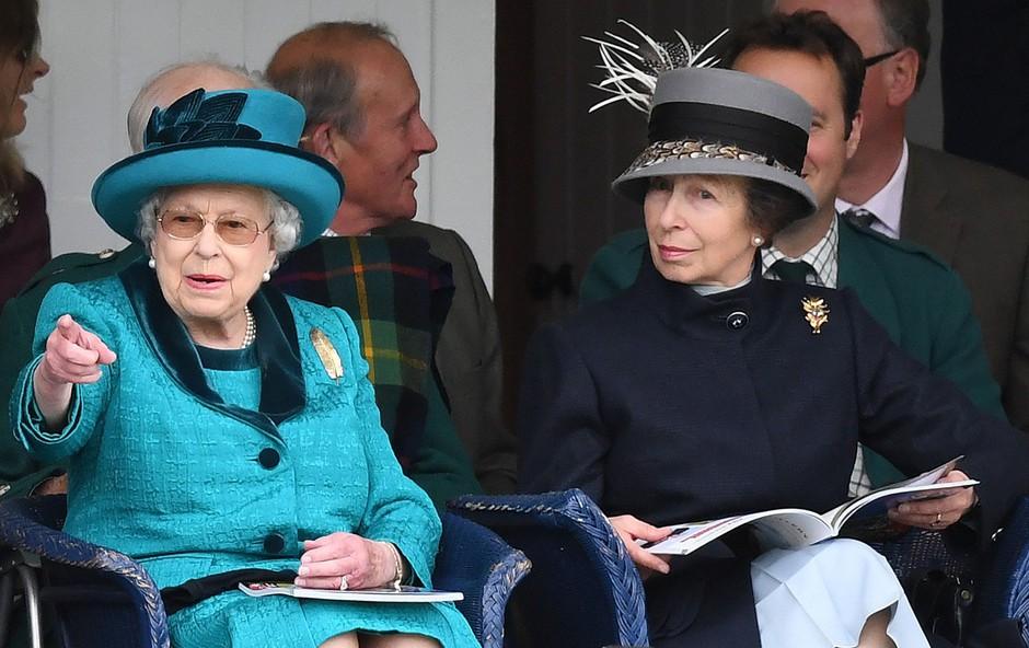 Britanska princesa Anne se nikoli ne rokuje (foto: Profimedia)