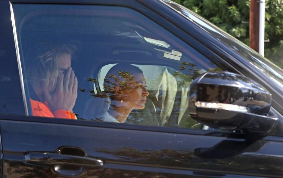 Paparaci Justina Bieberja ujeli povsem objokanega v avtu (foto: Profimedia)