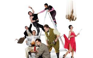 Z gledaliških desk Broadwaya prihaja na slovenski oder Predstava, ki gre narobe!