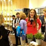Prijetno druženje in odlično vzdušje z Rebeko Dremelj v butiku Alma Ras (foto: Helena Kermelj, promocijski material)