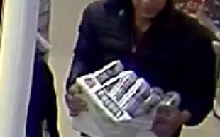 Britanska policija na lovu za dvojnikom zvezdnika Prijateljev, ki je ukradel pivo