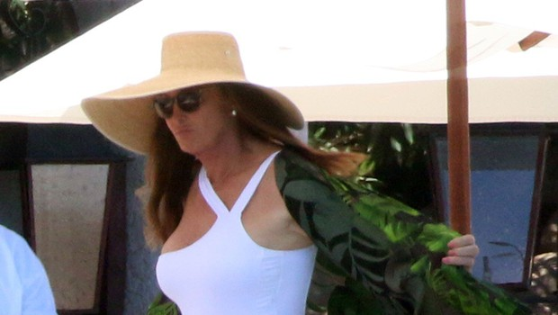 Caitlyn Jenner 69. rojstni dan proslavila na plaži s svojo 22-letno punco (foto: Profimedia)