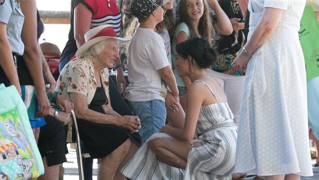 Zakaj Meghan Markle in Kate Middleton v času nosečnosti nosita tako kratka krila? (foto: Profimedia)