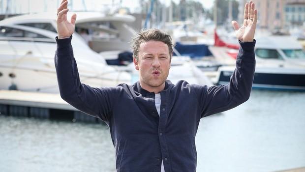 Goli kuhar Jamie Oliver izpraznil bančni račun (foto: Profimedia)