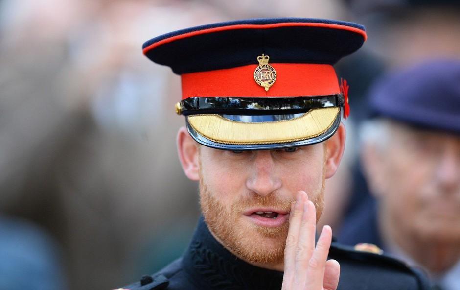 Zakaj princ Harry doma ves čas ugaša luči? (foto: Profimedia)