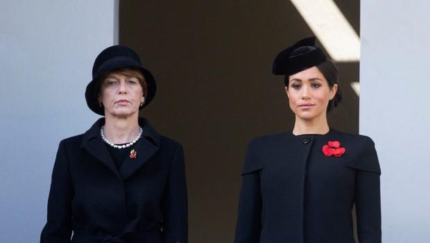 Zakaj Meghan Markle na kraljevem balkonu ni stala z ostalimi članicami kraljeve družine? (foto: Profimedia)