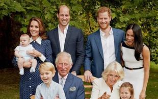 Zakaj na novem uradnem portretu kraljeve družine ni kraljice Elizabete II.?