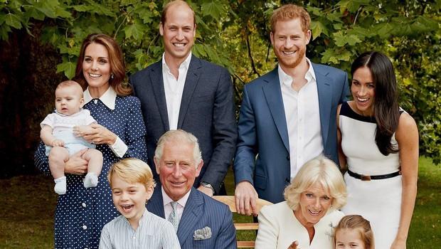 Zakaj na novem uradnem portretu kraljeve družine ni kraljice Elizabete II.? (foto: Profimedia)