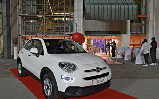 Lepotec, ki je očaral udeležence zabave revije Story: Spoznajte Fiat 500 X!