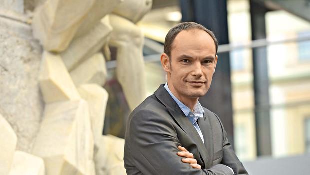 """Dr. Anže Logar: """"Menim, da Ljubljančani znamo ceniti to, kar imamo, ampak se ne smemo pri tem ustaviti"""" (foto: Primož Predalič)"""