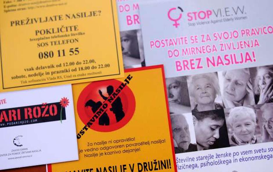 Društvo SOS telefon o nedopustnosti nasilja nad ženskami še z razstavo (foto: Tamino Petelinšek/STA)