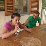 Na Kmetiji vre! Aneta je najstarejši tekmovalki Zdenki na Kmetiji zagrozila: »Vžgala te bom nazaj!« (foto: Pop tv)