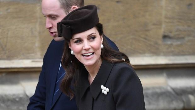 Zdaj je znano, kaj v svoji torbici vedno nosi Kate Middleton (foto: Profimedia)