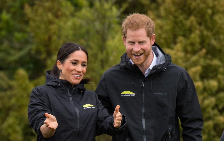 Zakaj se Meghan Markle in princ Harry selita ven iz  Kensingtonske palače? (foto: Profimedia)