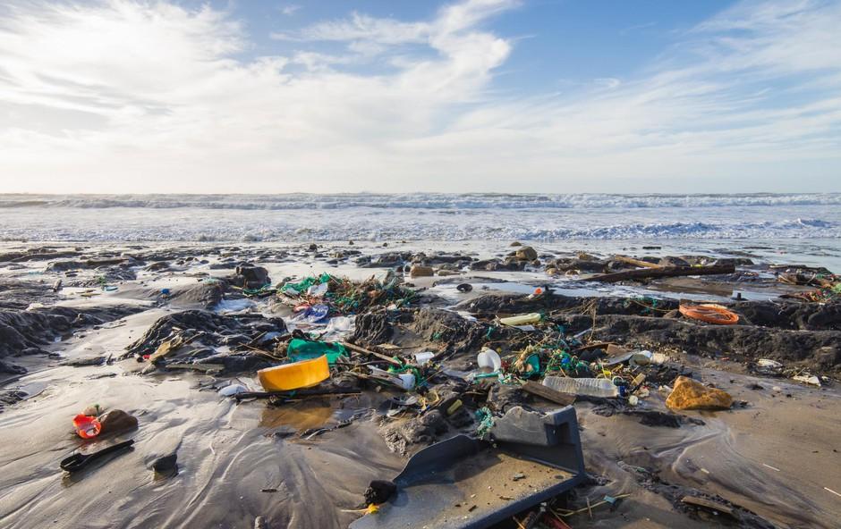 Plastična plima: Smeti so ujete že v arktičnem ledu! (foto: SHUTTERSTOCK)