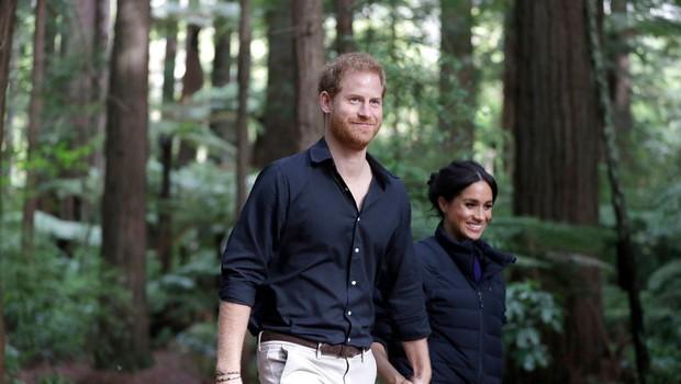 Meghan Markle in princ Harry ves čas kršita pomembno kraljevo pravilo (foto: Profimedia)