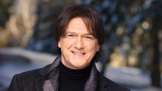 Priljubljeni pevec Zdravko Čolić bo razvajal tudi slovensko občinstvo! (foto: Promocijski material)