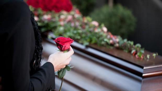 Razlaga sanj: Pogreb je znamenje, da je nekaj znotraj vas umrlo ali se prebudilo! (foto: profimedia)