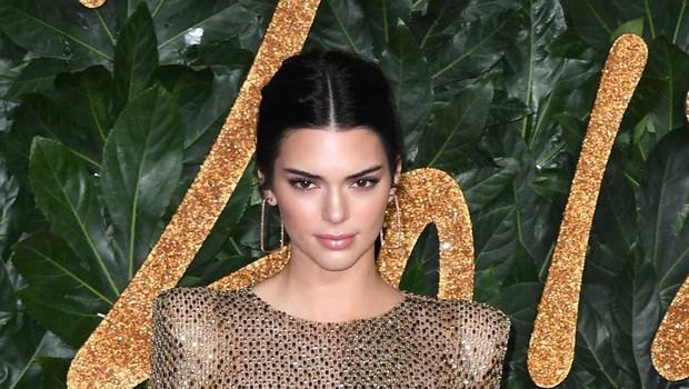 Kendall Jenner z barvo las, ki jo obožujejo številne ženske (foto: Profimedia)