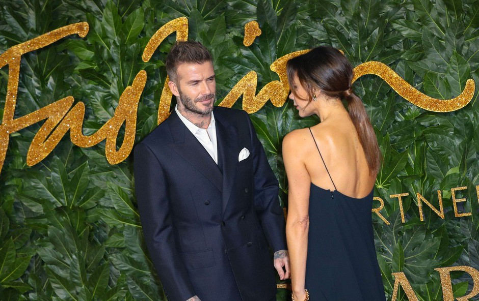 Victoria Beckham s hrbta odstranila tetovažo, ki je bila posvečena Davidu Beckhamu (foto: Profimedia)