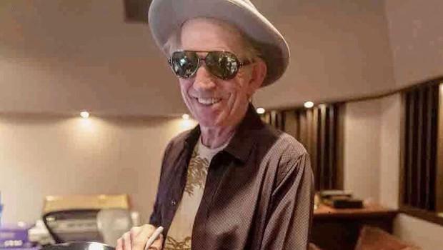 Keith Richards je lani pustil alkohol, letos pa se je odrekel še cigaretam (foto: profimedia)
