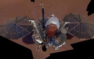 Sonda InSight na Marsu posnela svoj prvi selfie