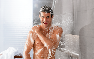 Kako negovati občutljivo moško kožo?