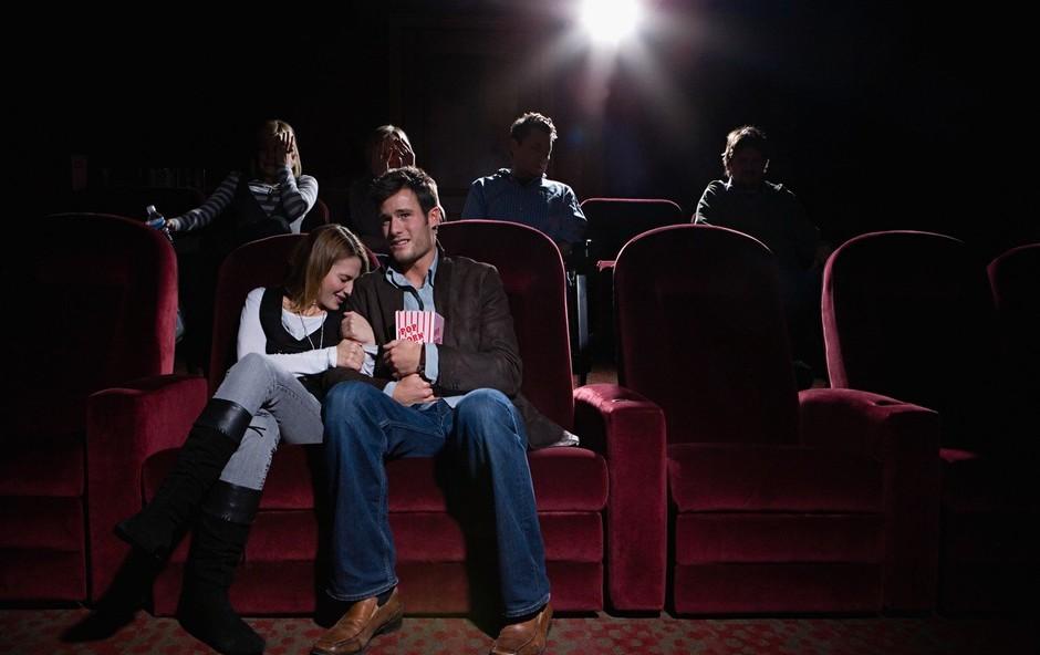 Silvestrovo bo tudi letos mogoče praznovati v teatru ali kinu (foto: profimedia)