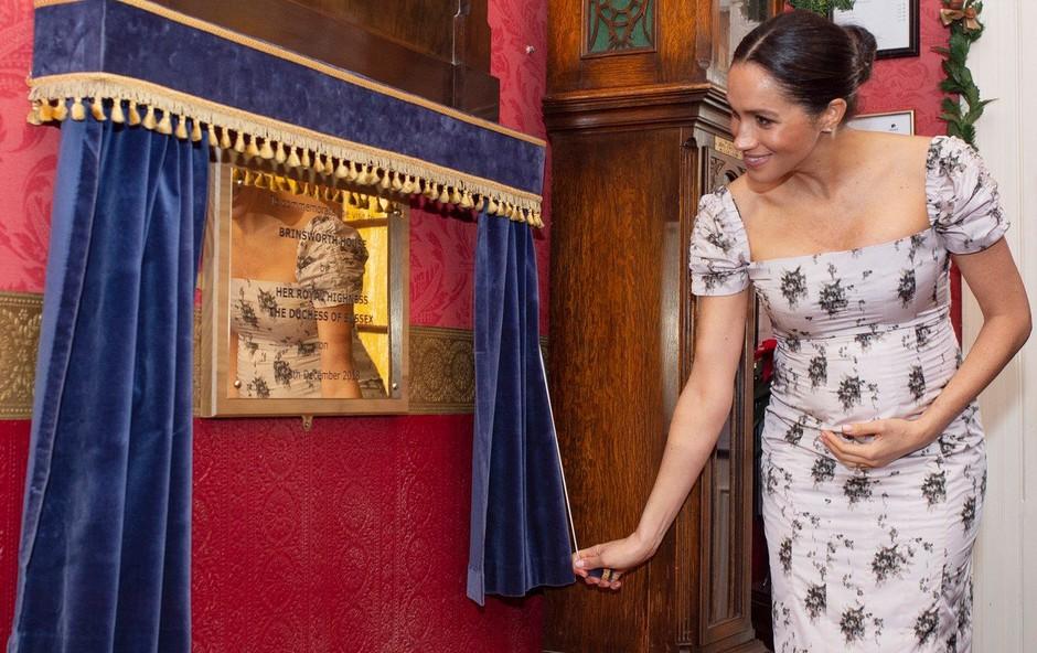 Meghan Markle pokazala ljubek nosečniški trebušček (foto: Profimedia)