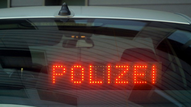 Moški v Luksemburgu zapeljal v pešce in ubil svojega otroka (foto: Profimedia)