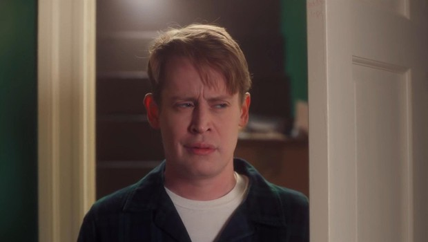 """Z novo reklamo se je Macaulay Culkin kot odrasla verzija lika vrnil v """"Sam doma"""" (foto: Profimedia)"""