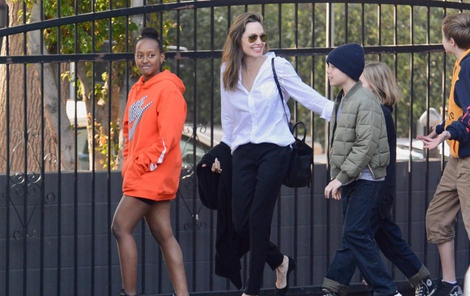 Angelina Jolie je zelo vitka - morda celo preveč?! (foto: Profimedia)