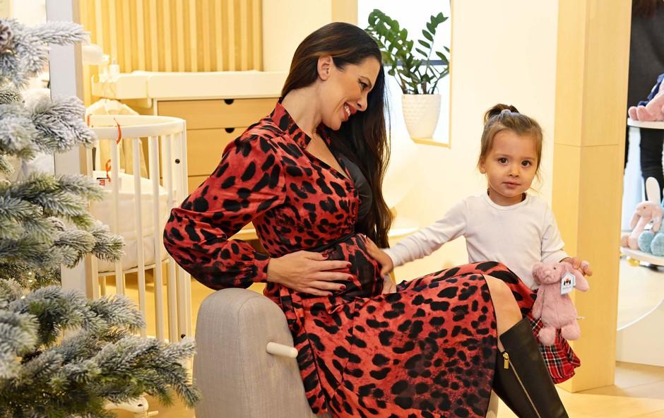 Iris Mulej maja pričakuje novega družinskega člana! (foto: Primož Predalič)