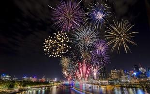 Vstop v novo leto bodo po svetu obeležili z ognjemeti in zvonovi