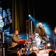 Trije vrhunski vokalisti napolnili koncert ob Elvisovem rojstnem dnevu