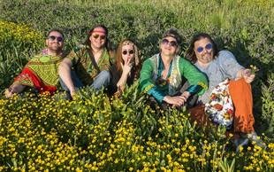 V Cvetličarno se ponovno vrača flower-power Zmelkoow
