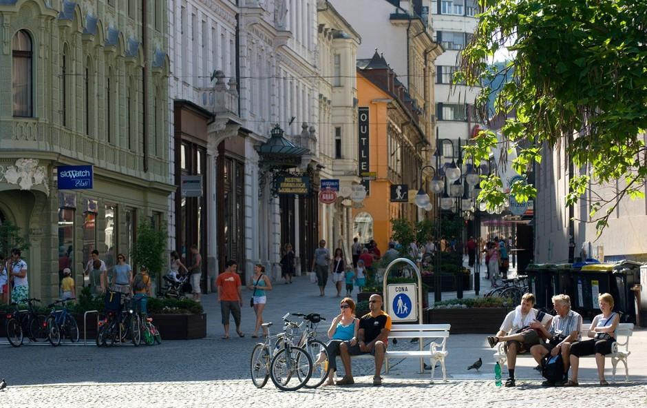 Lani so imela slovenska gospodinjstva več denarja in ljudje so bili bolj zadovoljni z življenjem (foto: profimedia)