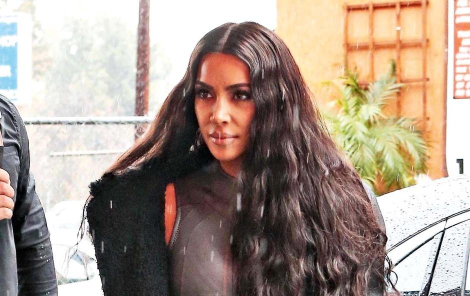 Kim Kardashian še ne ve kdo bo nadomestna mati (foto: Profimedia)