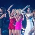 Spice Girls v šoku: Majice jim šivajo delavke, ki so plačane 40 centov na uro!