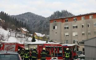 Jesenice: Po požaru v bolnišnici, ki je terjal dve žrtvi, na delu preiskovalci