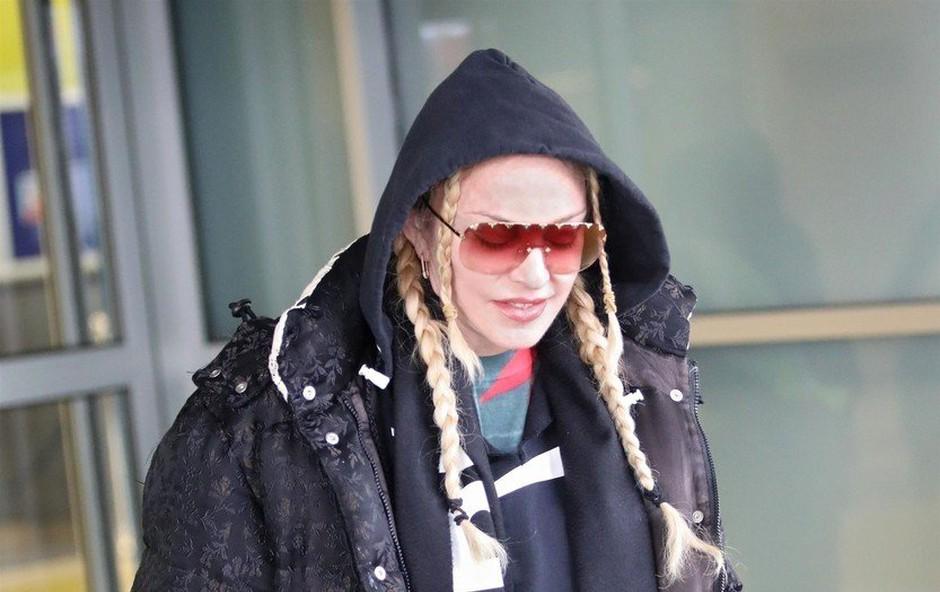 Madonna presenetila z mladostno pričesko (foto: Profimedia)