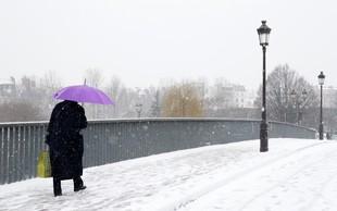 Snežni vihar povzroča preglavice v Franciji, moten tudi promet na letališču Orly