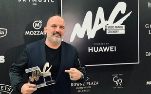 Tony Cetinski proglašen za izvajalca leta na Music Awards Ceremony!