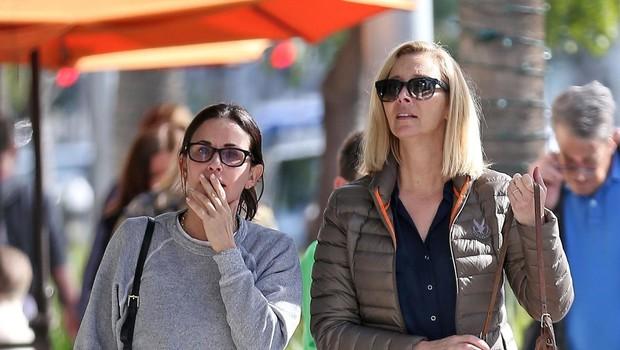 Igralki Lisa Kudrow in Courteney Cox prijateljujeta že dolgih 25 let (foto: Profimedia)