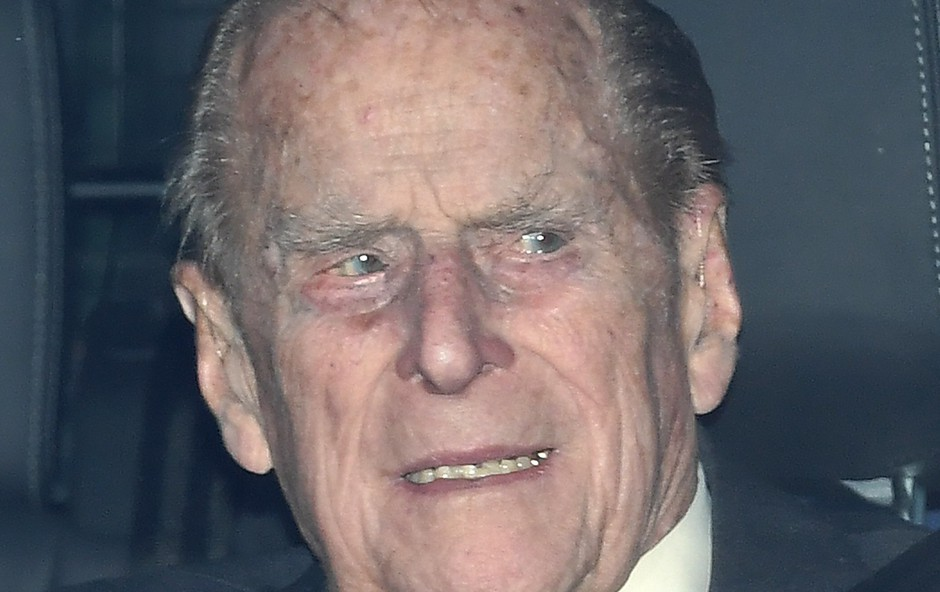 Princ Philip se je opravičil za nesrečo (foto: Profimedia)