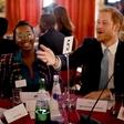 Princ Harry čustveno spregovoril o očetovstvu, ki ga kmalu čaka