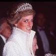 Princ William presenetil oboževalce njegove mame, princese Diane