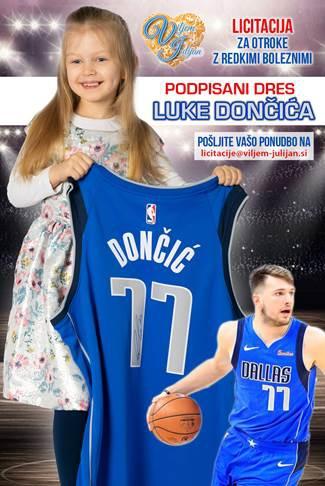 Licitacija podpisanega dresa košarkaša Luke Dončića za otroke z redkimi boleznimi (foto: press)