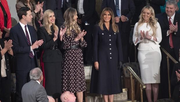 Melania Trump blestela v temni obleki, Tiffany Trump pa v  beli (foto: Profimedia)