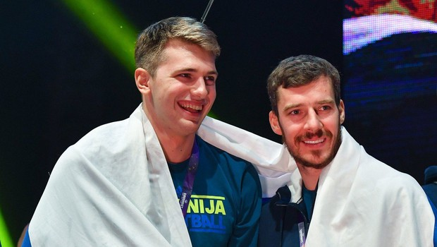 Obračuna Dončića in Dragića bo v živo spremljalo veliko Slovencev (foto: profimedia)